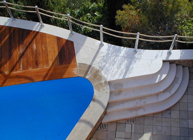 Ampliamento solarium piscina