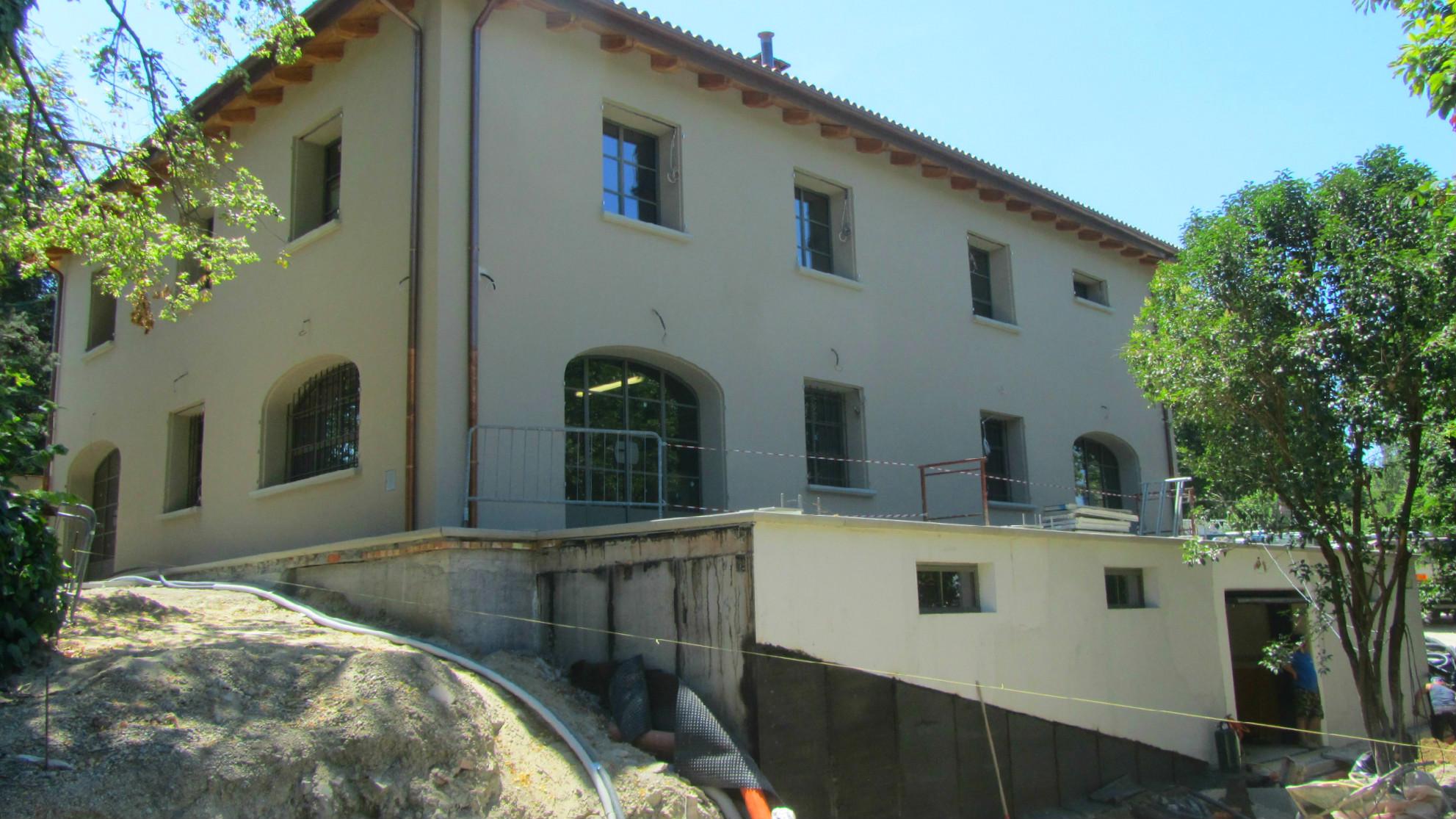 ITON SRL esegue la costruzione di una casa - villa - unità abitativa