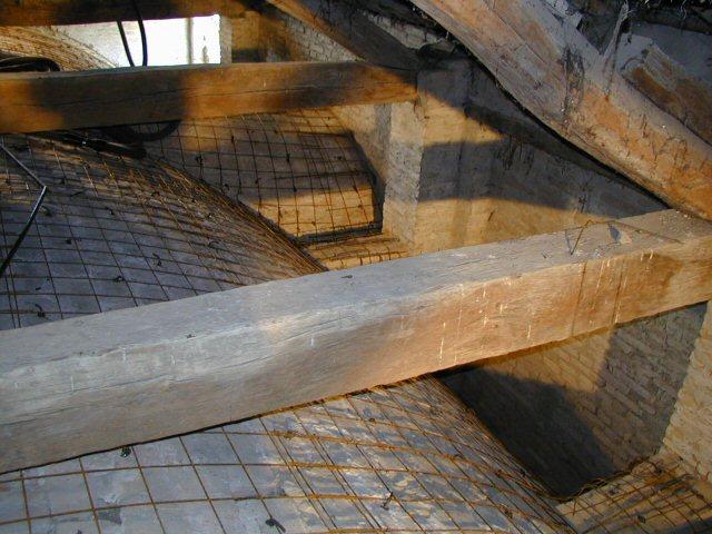 Armatura navata con rete e spinotti inghisati