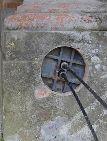 Tirantatura con 2 cavi di acciaio