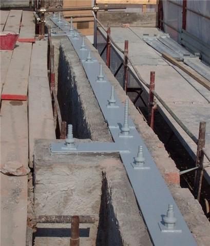 Tiranti verticali in barre Diwidag da mt.6 cad.