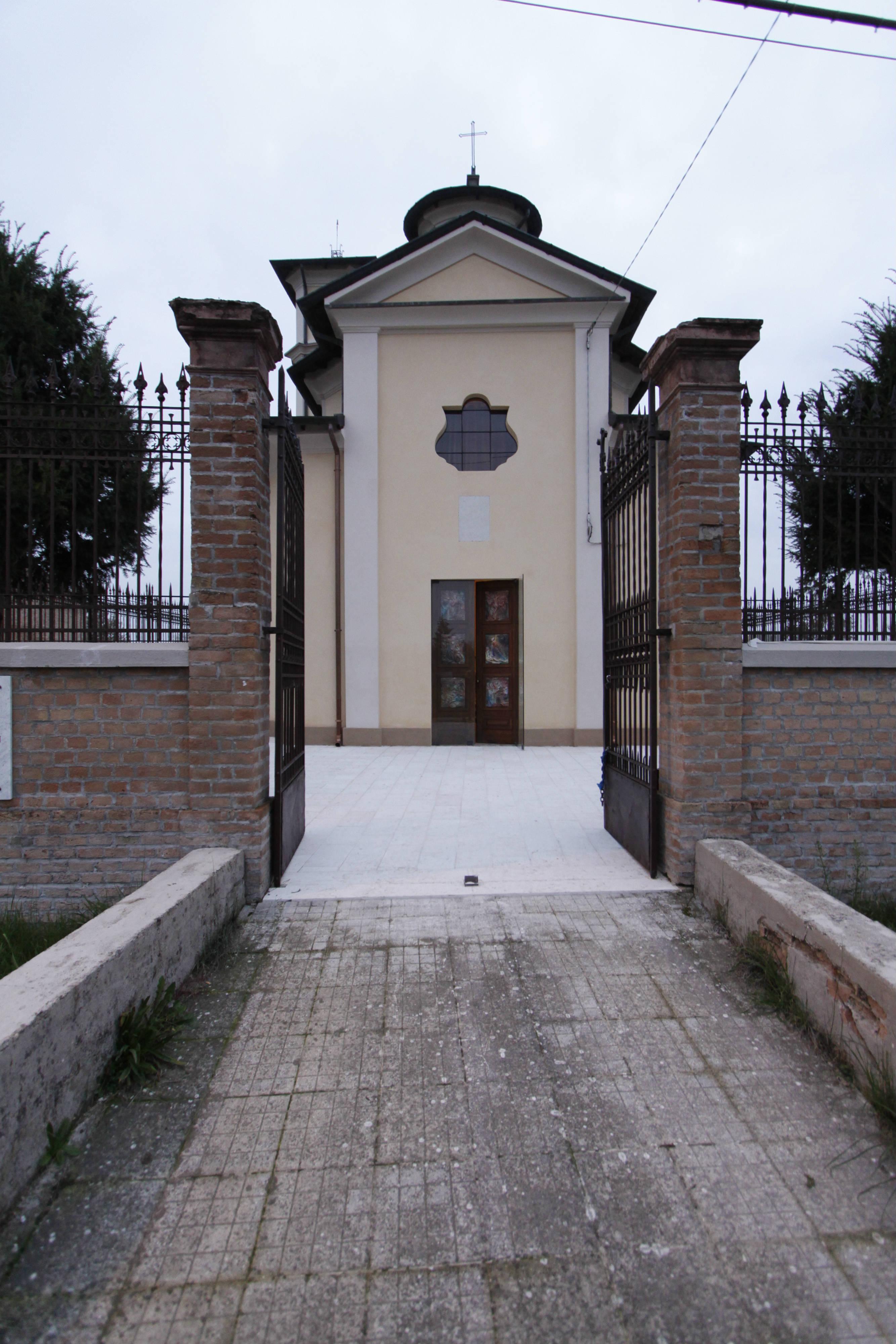 ITON SRL esegue interventi di ristrutturazione post sismica e restauro all'oratorio di Lentigione (RE).