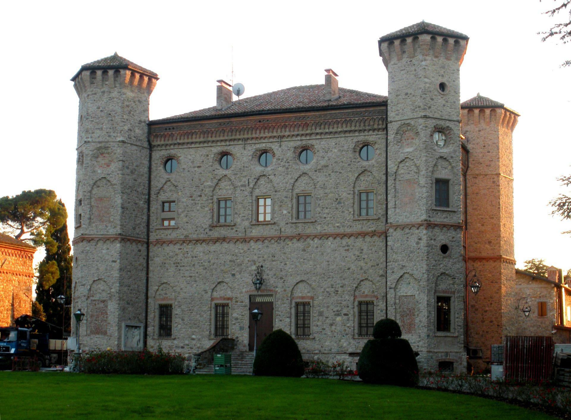 """Restauro e consolidamento del Castello """"Il più bello"""" di Quattro Castella (RE) - ITON SRL"""