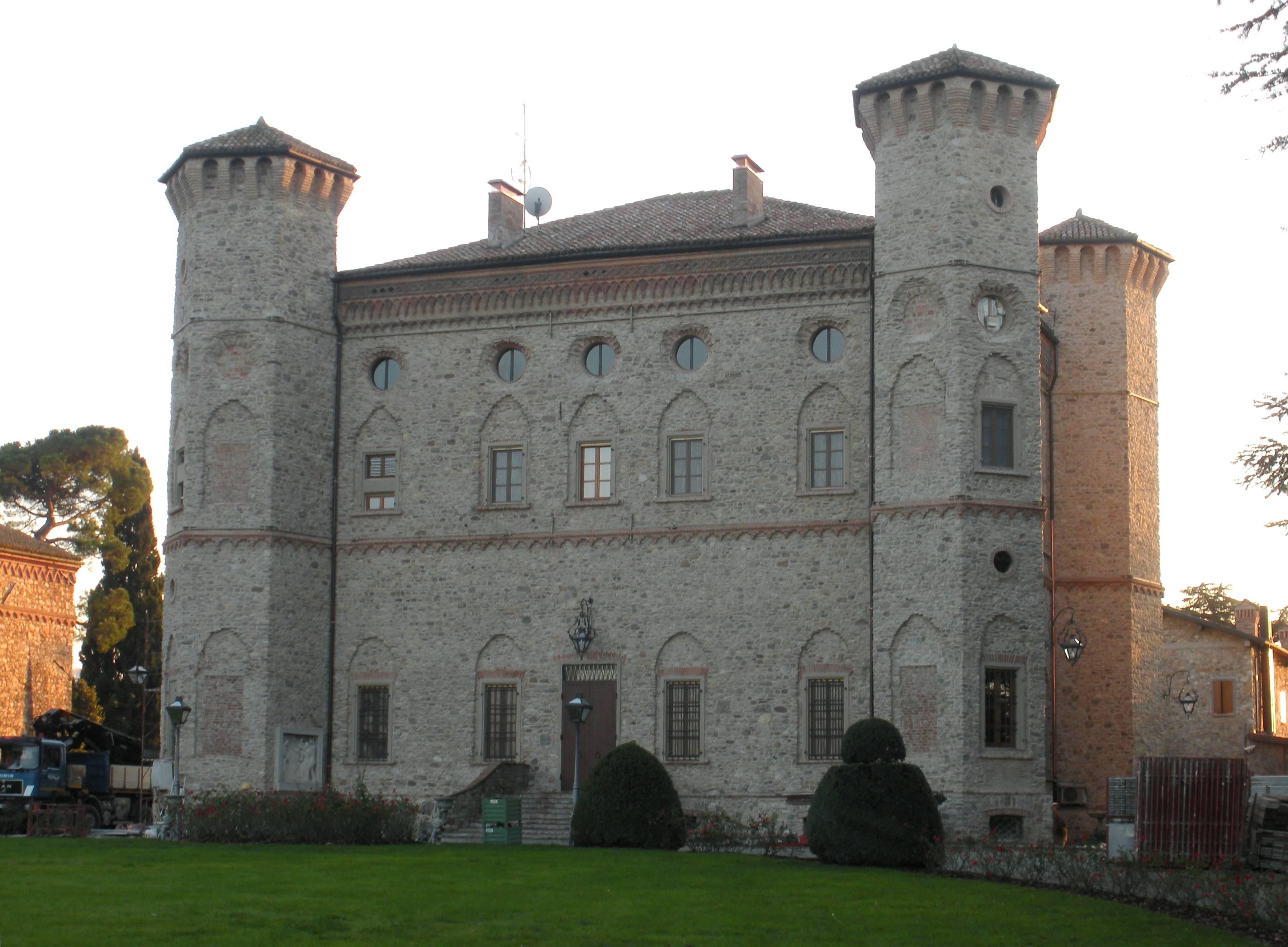 """Consolidamento del castello """"Il più bello"""" a Quattro Castella"""