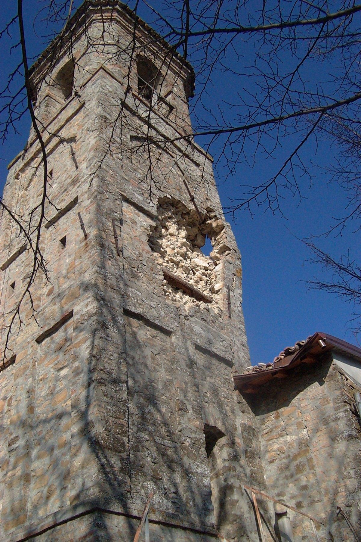 Consolidamento e restauro del campanile e chiesa di Barbiano (PR).