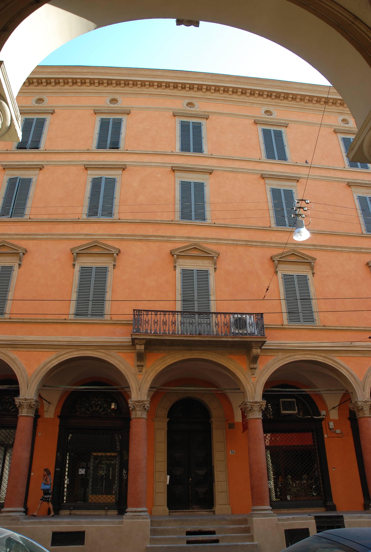 Consolidamento e resaturo di un palazzo antico del 1600 a Bologna