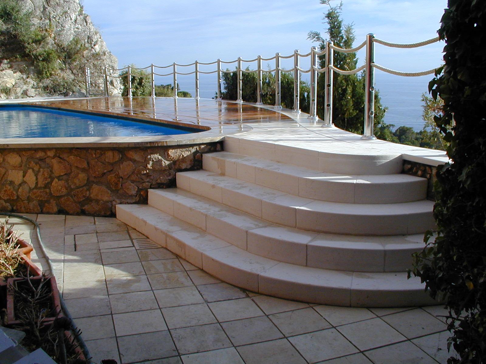 Realizzazione di nuovo solarium e piscina, nella ristrutturazione di una villa estiva - ITON SRL