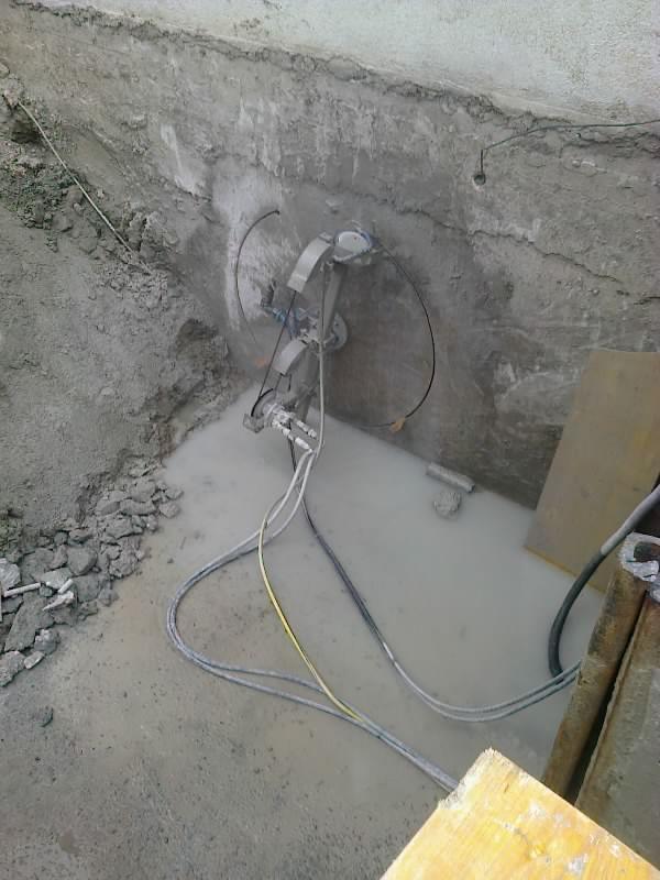 Creazione tunnel per scolo acqua sotterraneo con sistema taglio a compasso filo diamantato - ITON SRL