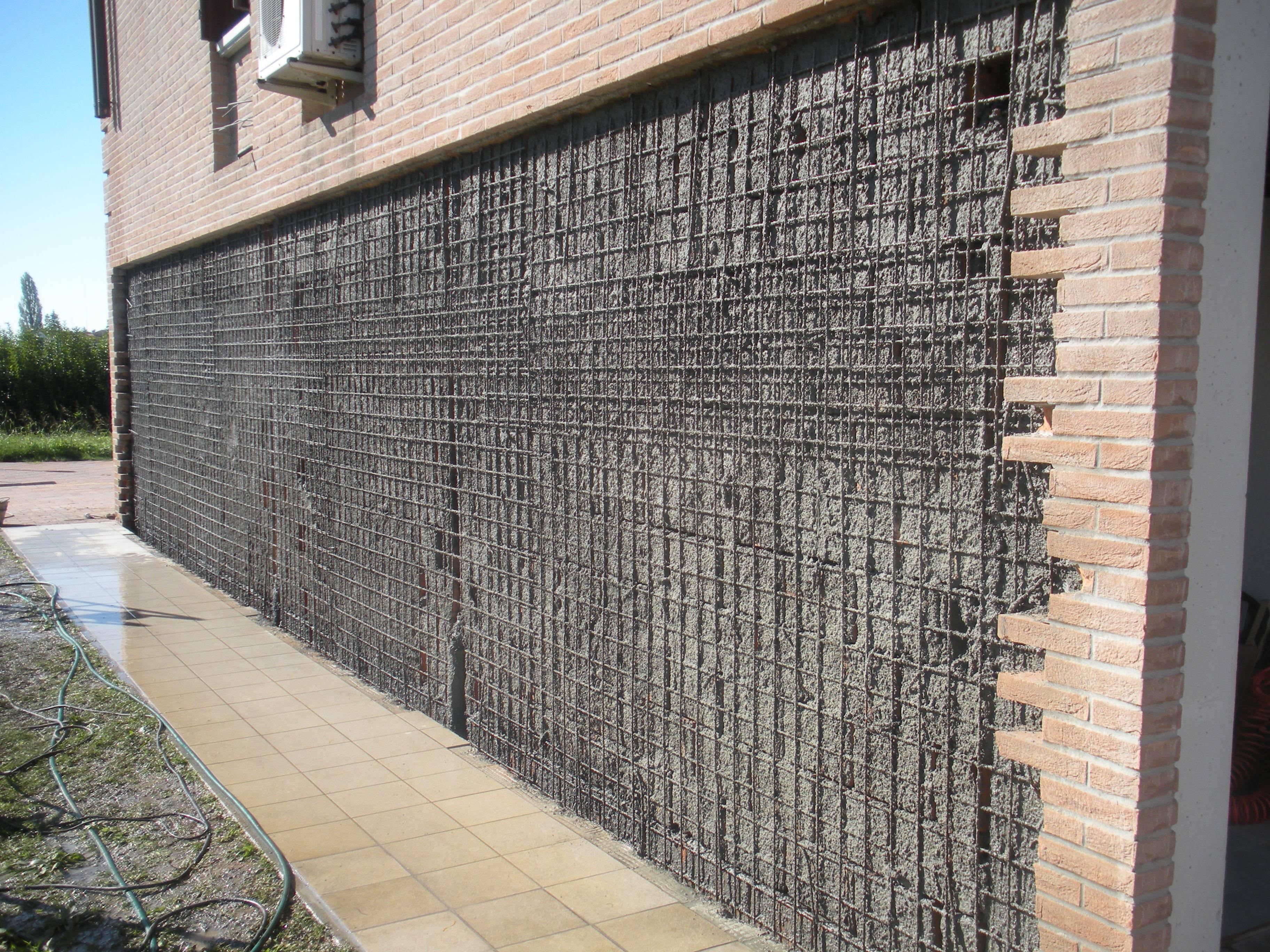 Rinforzo di pareti in poroton con intonaco fibro rinforzato armato con rete elettro saldata
