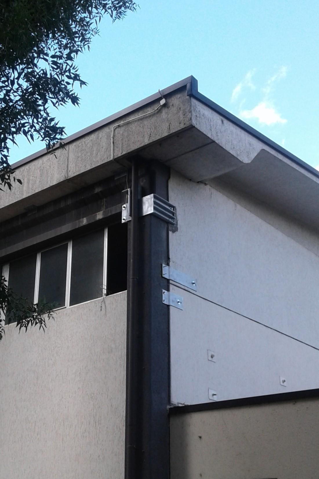 Mensola in acciaio, per il collegamento del pilastro d'angolo alla trave - ITON SRL