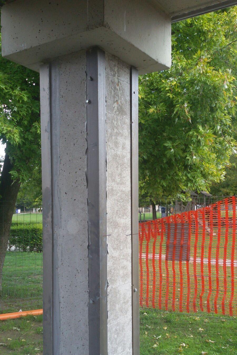 """Placcaggio di profili ad """"L"""" con resina epossidica per il rinforzo di un pilastro - ITON SRL"""