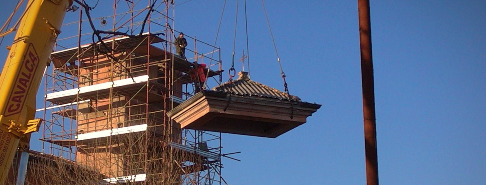 Sollevamento del tetto / cupola del campanile di una chiesa - ITON SRL